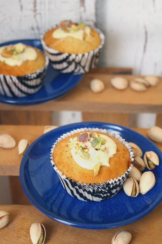 Weiße Schokolade-Pistazien-Muffins